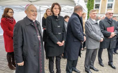Mobilny Punkt Poboru Krwi, catering, Arcybiskup Henryk Hoser, Podsekretarz Stanu Cezary Rzemek
